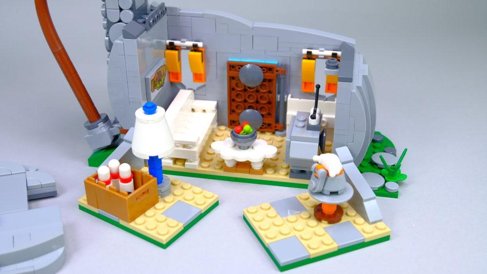 LEGO Ideas 21316 The Flintstones - backside overview