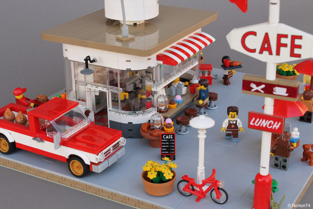 LEGO Coffee Stand Andy's Cafe - sideview