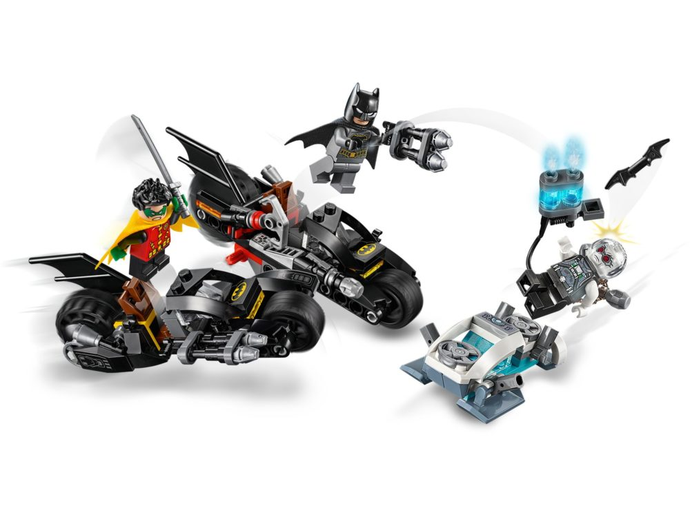 LEGO 76118 Batman Mr. Freeze Batcycle Battle