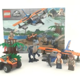 LEGO Jurassic World 75942 Velociraptor Biplane Rescue Mission