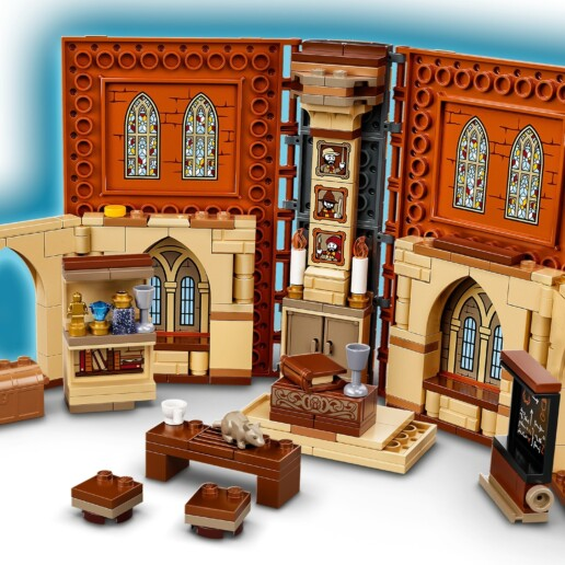 LEGO Harry Potter 76382 Hogwarts Moment Transfiguration Class