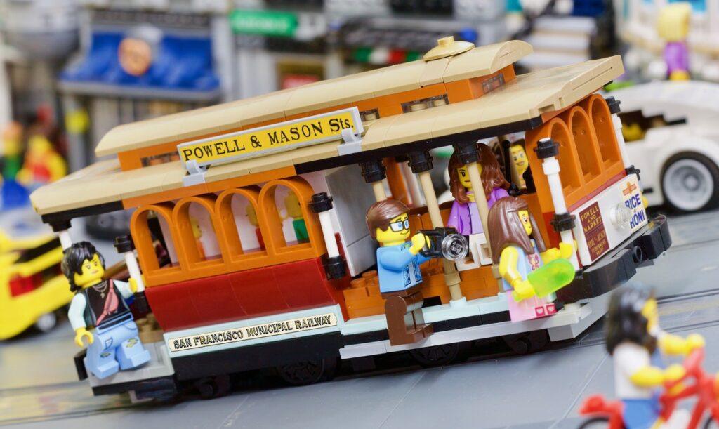 LEGO Ideas Powered Up San Francisco Cable Car