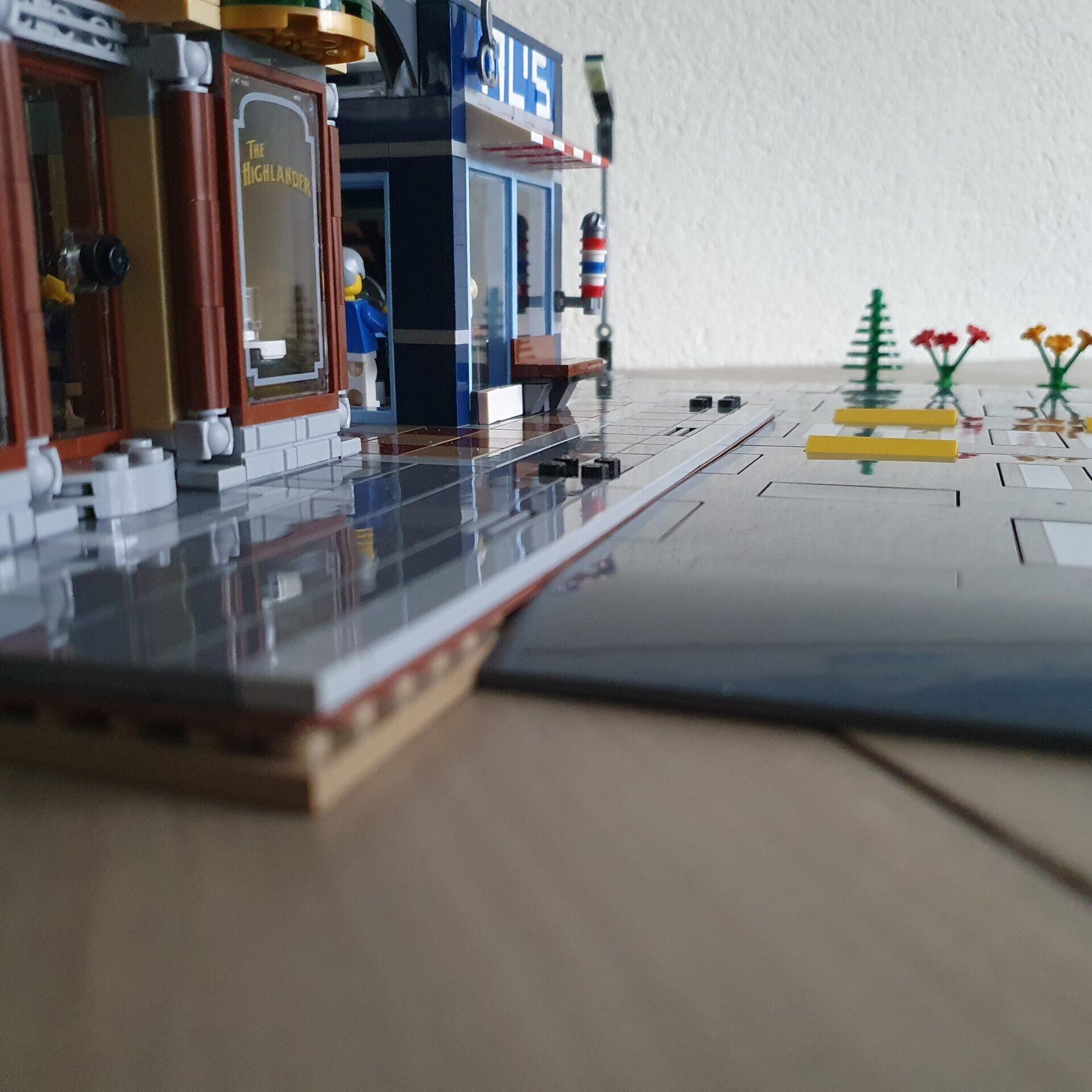 LEGO 60304 Road Plates en Modular 2