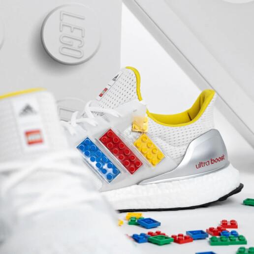 ADIDAS ULTRABOOST DNA X LEGO® PLATES SHOE