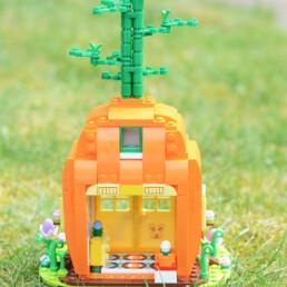 [RYS Paasspecial] LEGO MEGA Easter Bunny's Carrot House