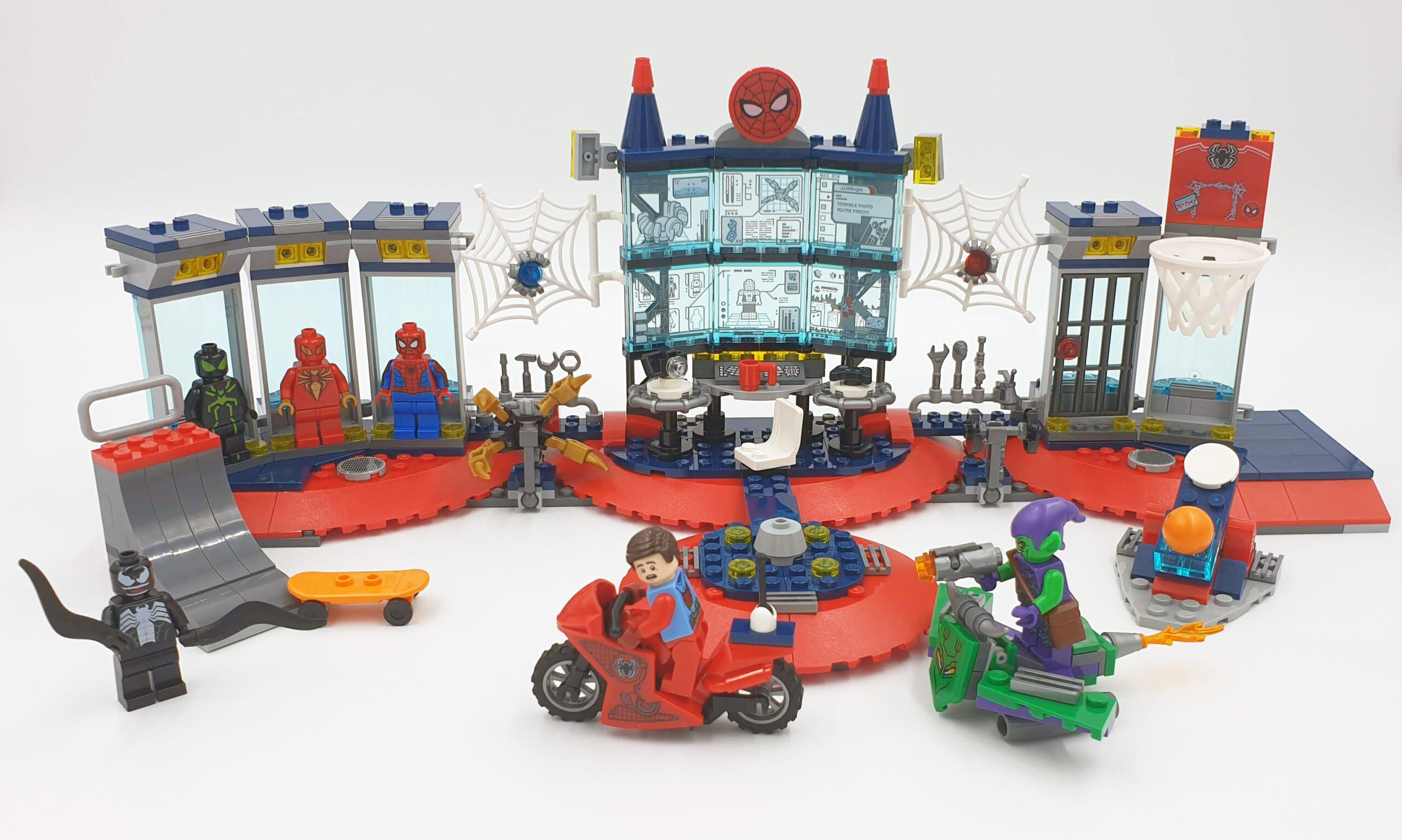 LEGO 76175 Attack on the Spider Lair