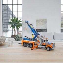 LEGO Technic 42128 Heavy-Duty Tow Truck